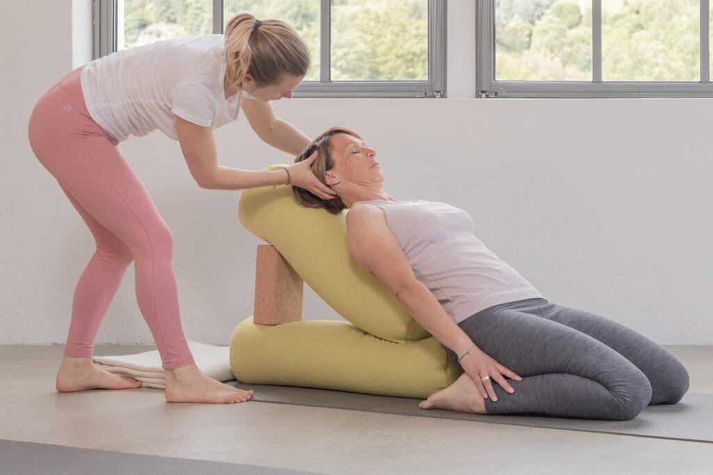 Katharina Brade Personal Yoga Workshop Menstruation Frau Balance PMS Murgtal Baden-Baden Rastatt